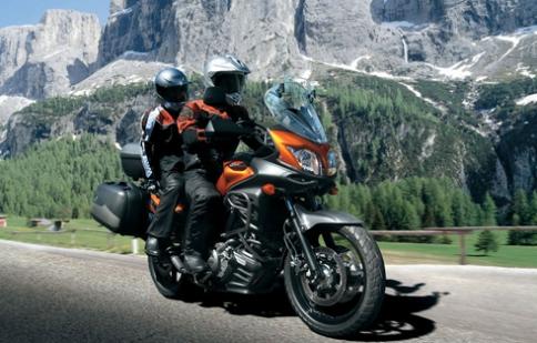Kỹ năng lái môtô khi đi đôi