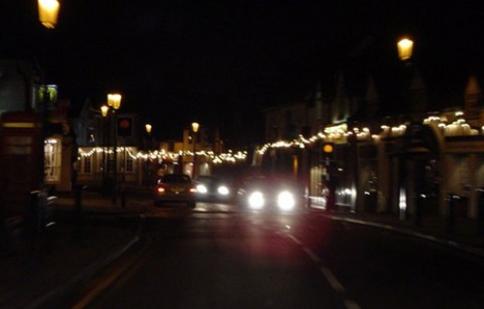 Cảnh báo văn hóa đèn pha khi giao thông