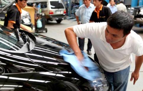 Chăm sóc xe hơi hiệu quả mà ít tốn kém