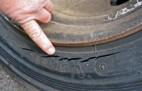 Lão hóa lốp - nguy cơ lớn gây tai nạn