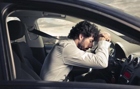 Kinh nghiệm sống còn khi ngủ trong ô tô