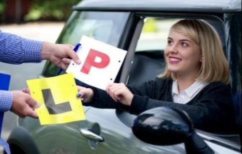 Có bằng lái xe ô tô ở nước ngoài thì vẫn được lái xe tại Việt Nam?