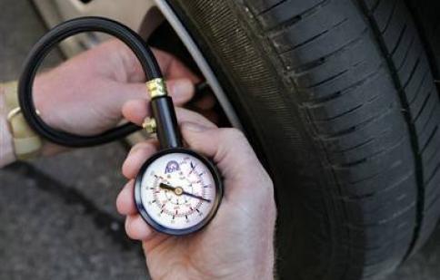 Mua đồng hồ đo áp suất lốp chất lượng ở đâu?