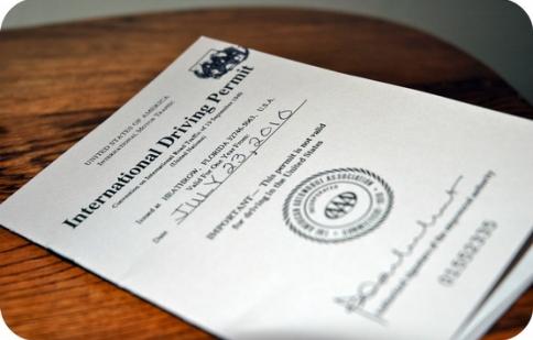 Tư vấn: Có giấy phép lái xe quốc tế thì được thuê và lái xe ở nước ngoài không?