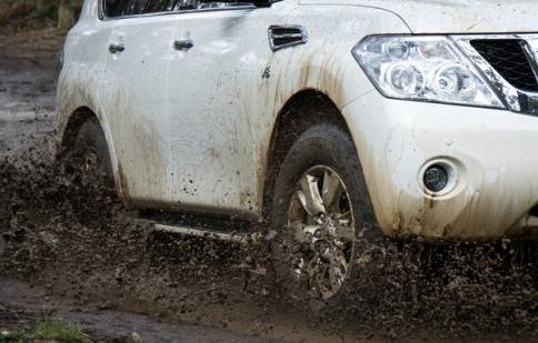 Tại sao nên giảm áp suất lốp trước khi lái off-road?