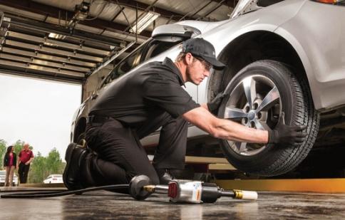 Những nguyên tắc thay lốp ôtô mọi tài xế Việt phải biết