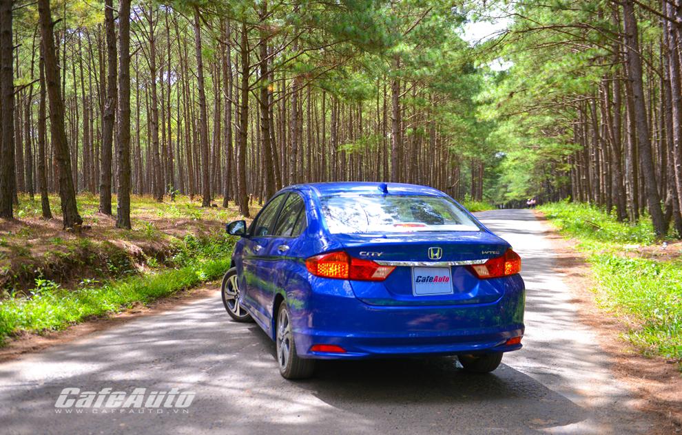 Honda City 2014 CVT: Nghĩ khác về sedan giá rẻ