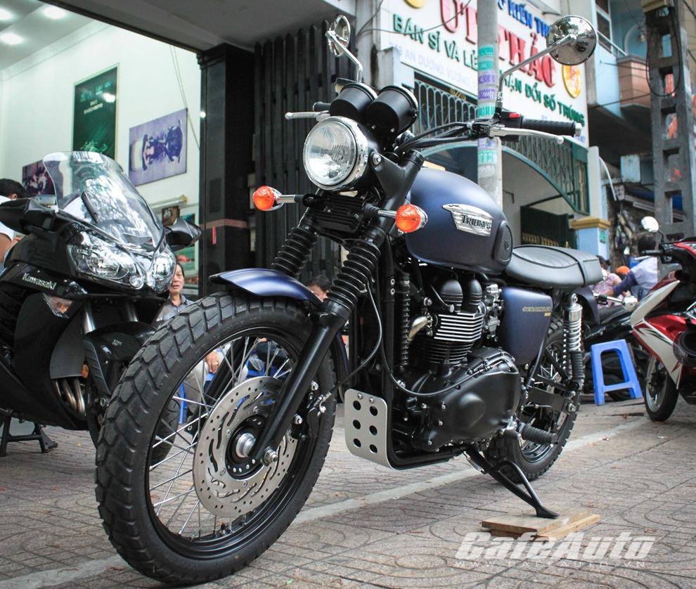 """Ngắm """"xế lạ"""" Triumph Scrambler 2014 mới về Việt Nam"""