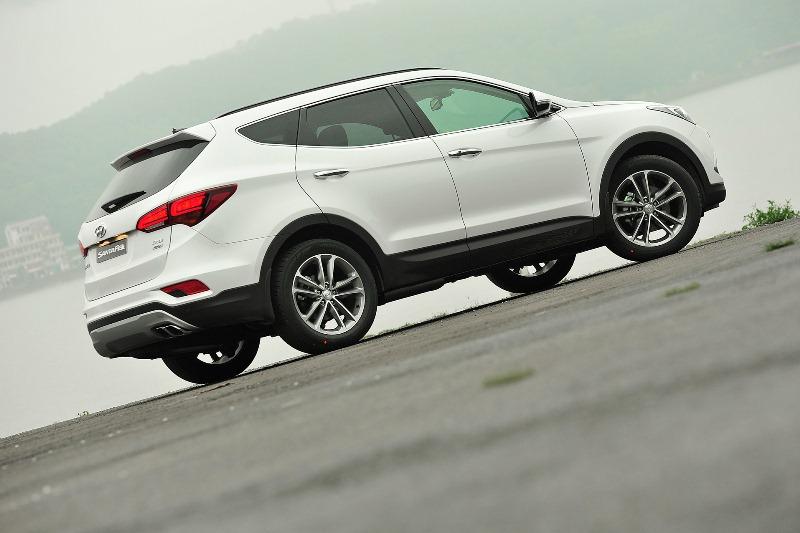 Những ưu điểm nổi bật của Hyundai SantaFe 2016 để bạn chọn mua 3
