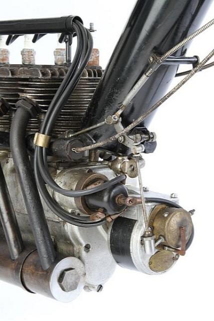 Pierce Motorcycle 1911 – chiếc xe đạp gắn máy