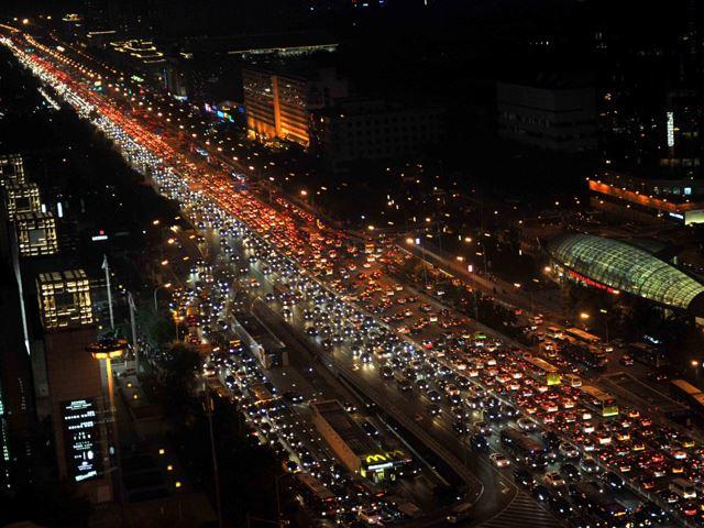 Việt Nam cấm xe máy, Trung Quốc cấm xe hơi