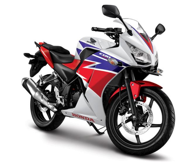 "Honda CBR150R 2015 khoe ""áo mới"""