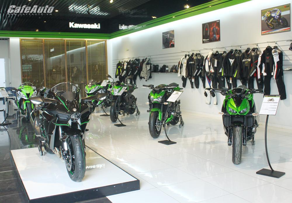 Kawasaki Max Moto Sài Gòn ưu đãi lớn mừng Quốc Khánh
