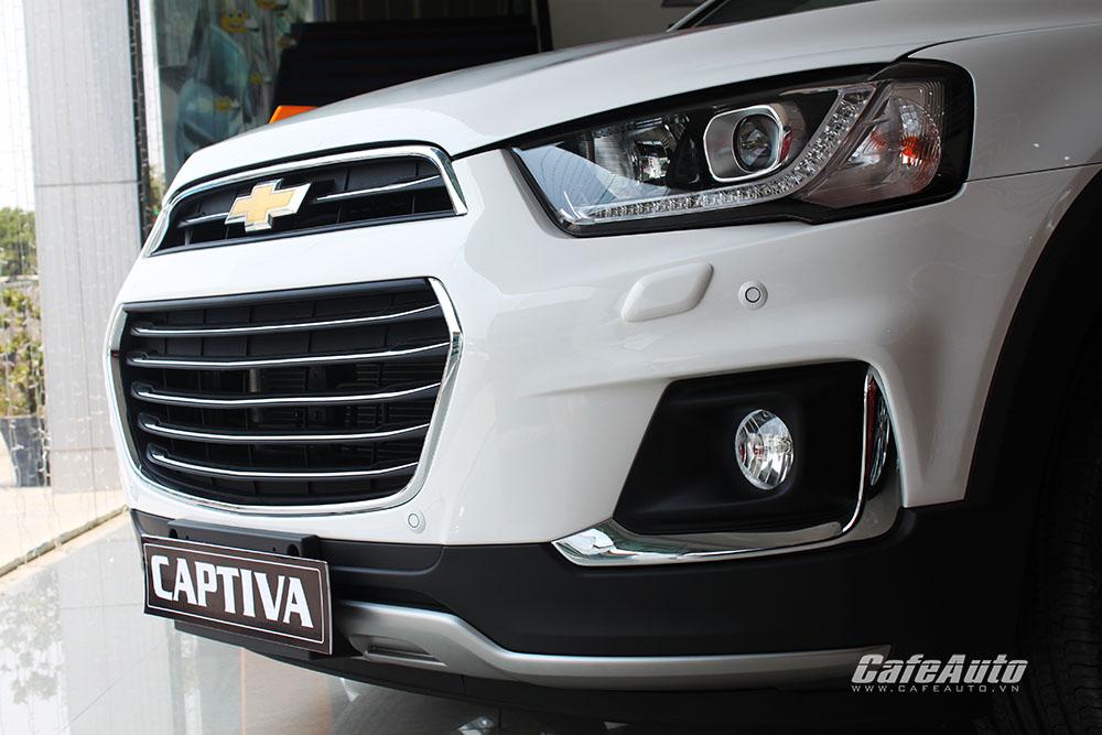 Chevrolet-Captiva-2016-voi-den-led-cai-tien