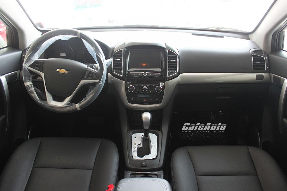 Chevrolet-Captiva-2016-voi-khoang-lai-bo-tri-de-nhin