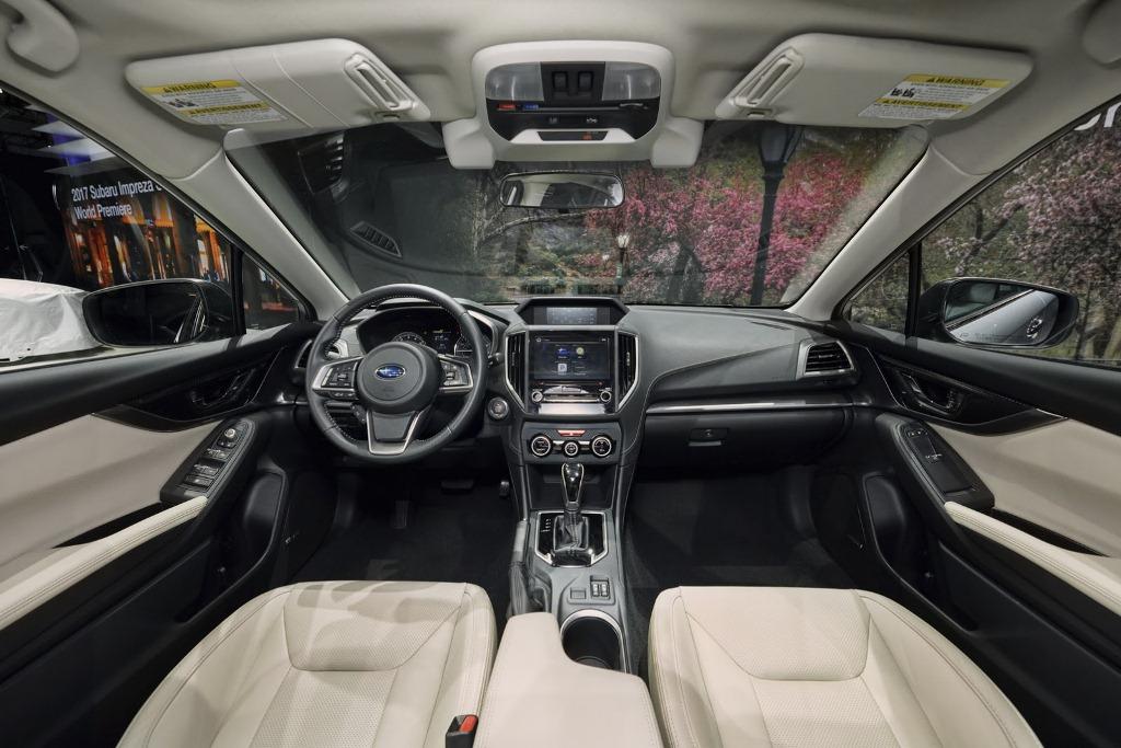 khoang cabin của Impreza 2017 bản hatchback