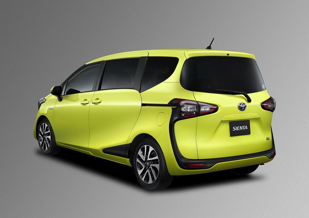 Toyota -Sienta-2016-co-kich-thuoc-kha-lon