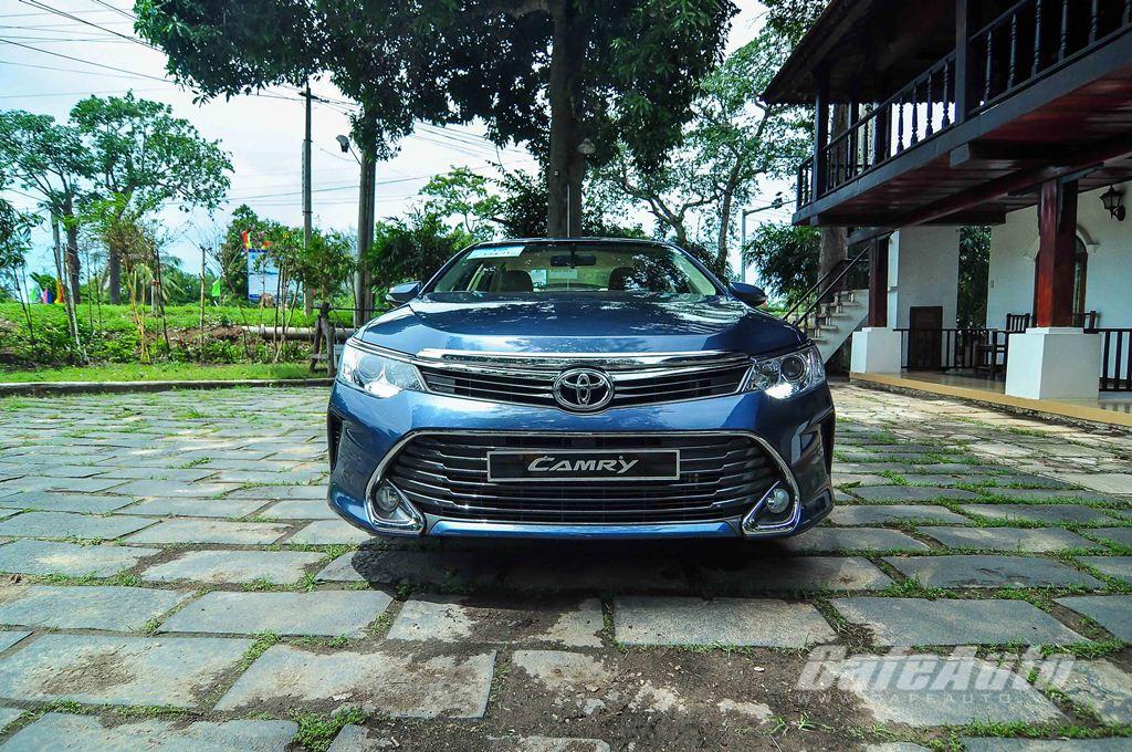 Toyota-Camry-2015-VN