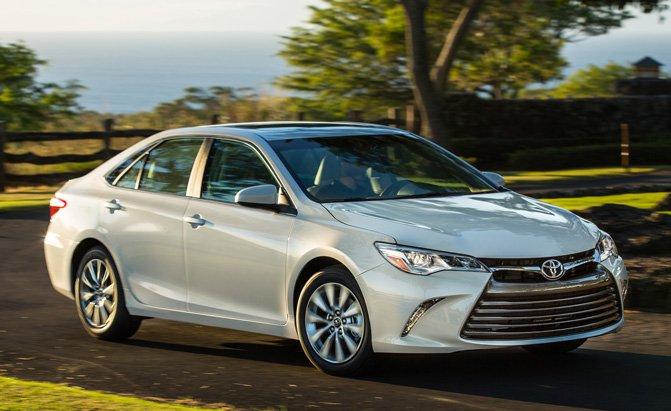 Toyota-Camry-Avalon-2016-bị-thu-hồi-do-lỗi-túi-khí