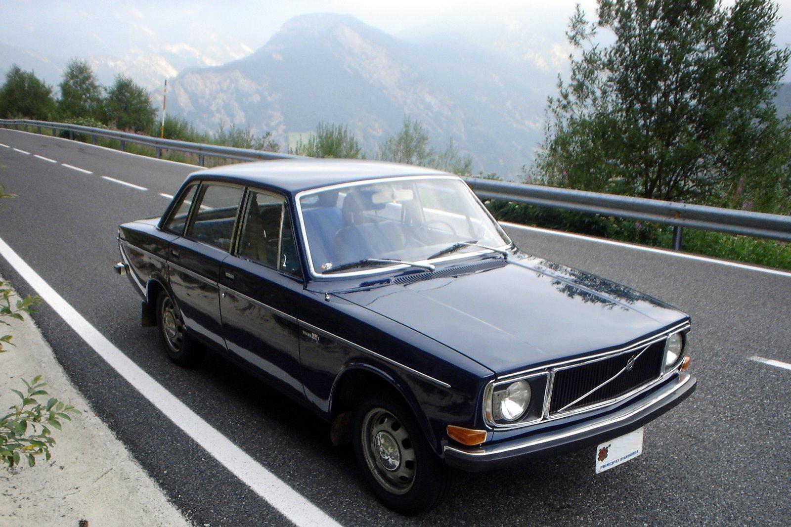 Volvo-144-4-cửa