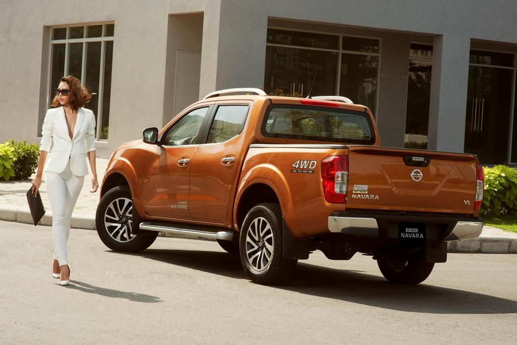 Nissan-NP300-Navara-EL-bán-tải-giá-mềm-cho-người-Việt