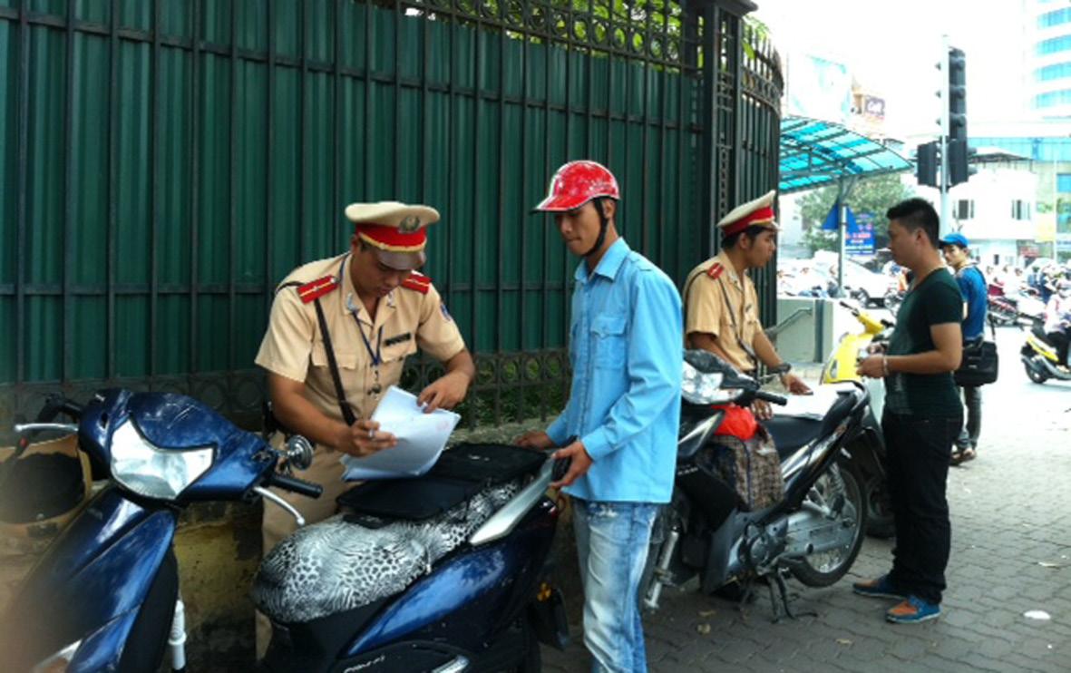 Kết quả hình ảnh cho mức phạt tốc độ xe máy 2014