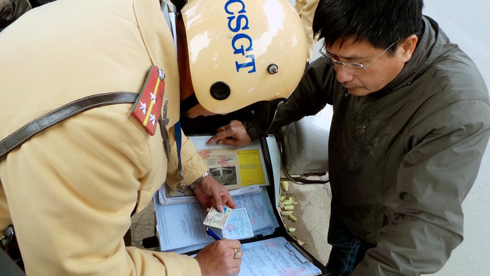 Đã có thể nộp phạt vi phạm giao thông qua bưu điện, nhận giấy tờ tại nhà