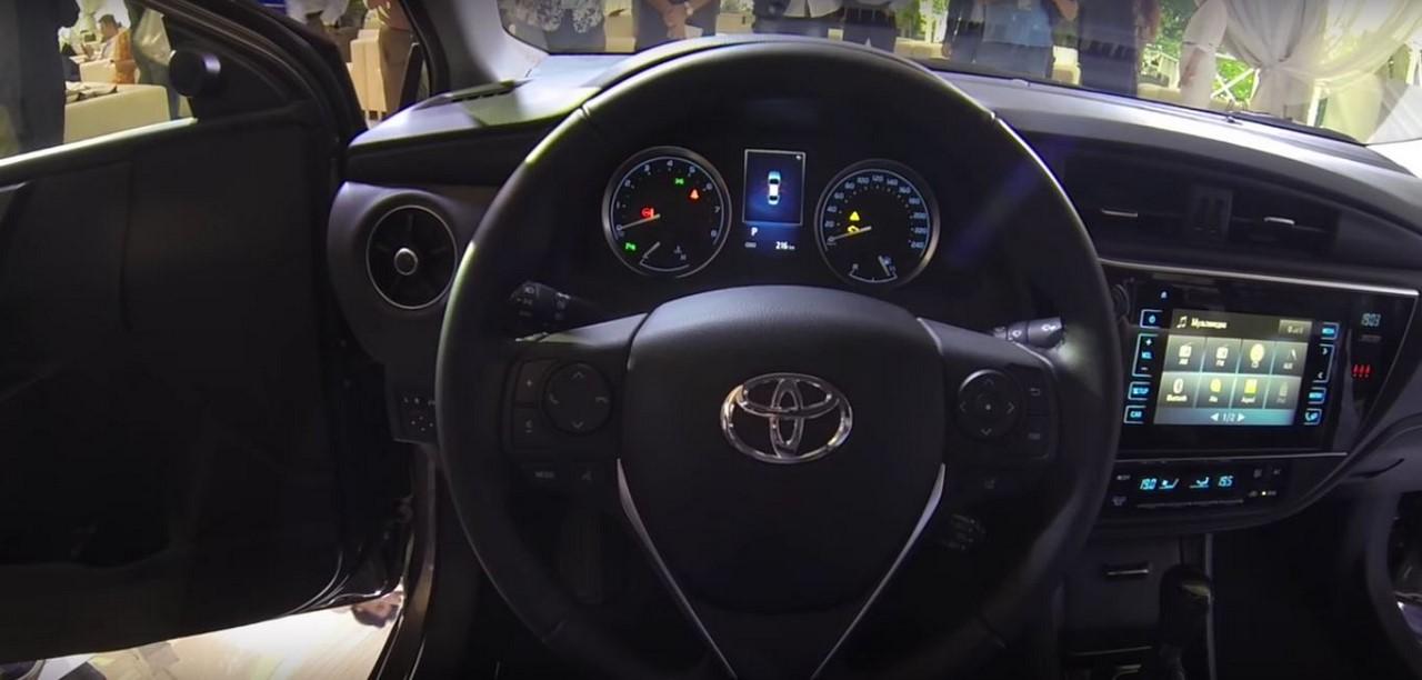 Toyota Altis 2017 sẽ được bày bán vào tháng 8 năm nay 5