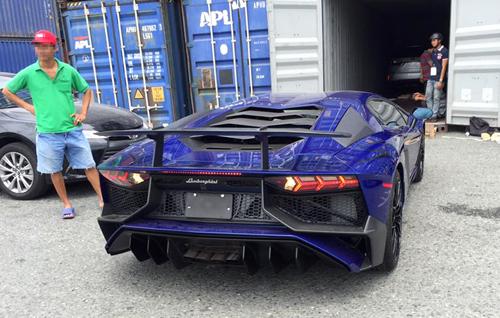 Siêu-phẩm-Lamborghini-Aventador-SV-đầu-tiên-về-Việt-Nam