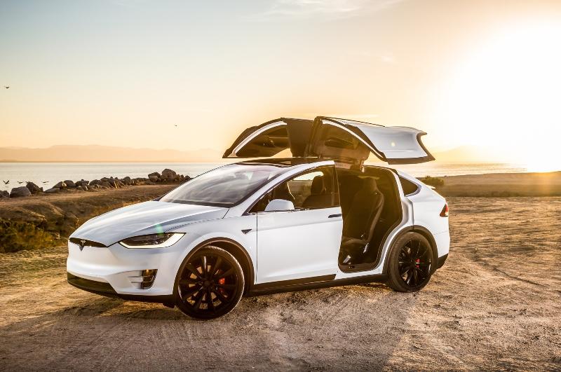 NHTSA -điều- tra- hệ -thống- tự- lái- của- Tesla