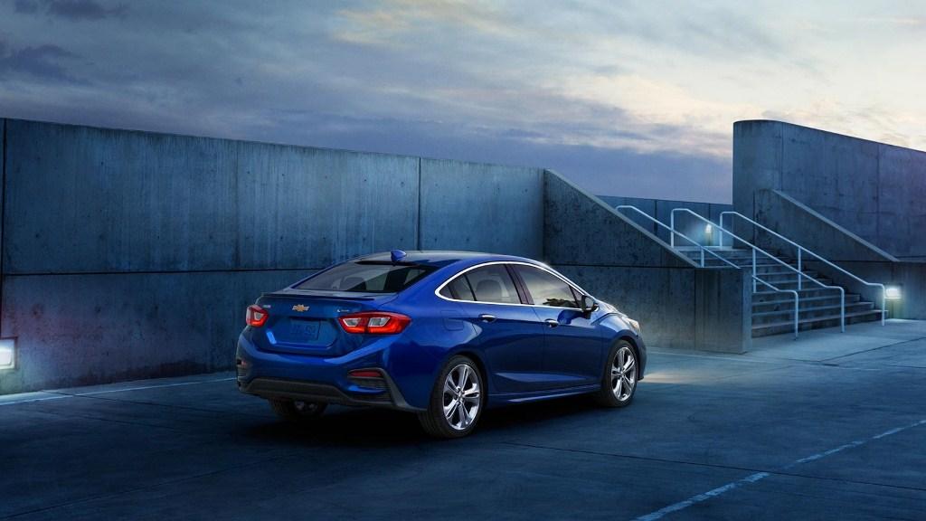 Chevrolet-Cruze-thế-hệ-mới-sẽ-có-thêm-bản-máy-dầu