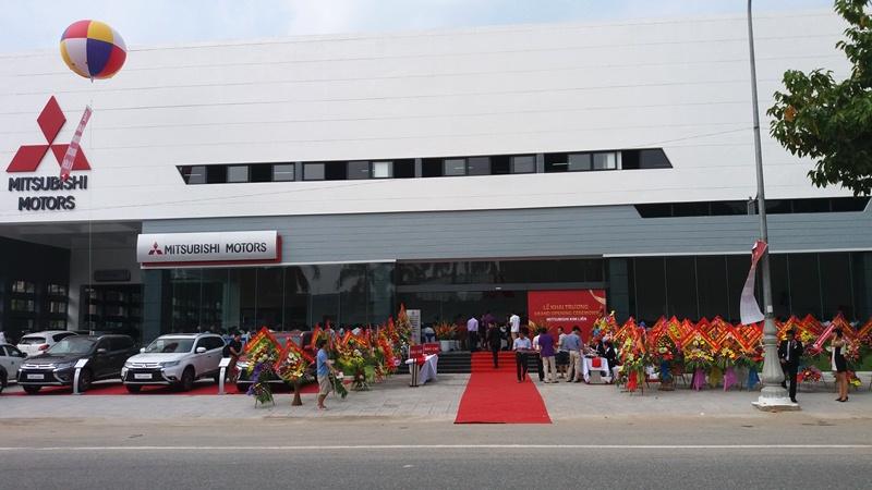 khai-truong-showroom-mitsubishi-kim-lien-tai-nghe-an