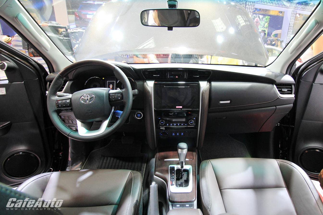 Toyota Fortuner 2017 chính thức ra mắt thị trường Việt tại triển lãm 2016 3