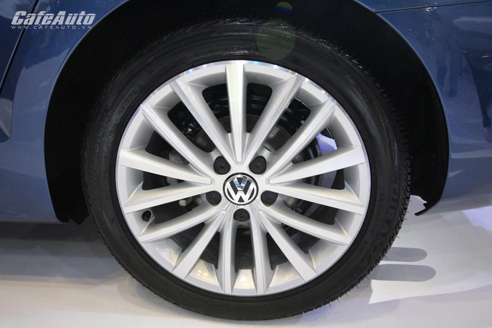 volkswagen-jetta-gia-nhap-phan-khuc-sedan-hang-c-gia-gan-1-ty-dong