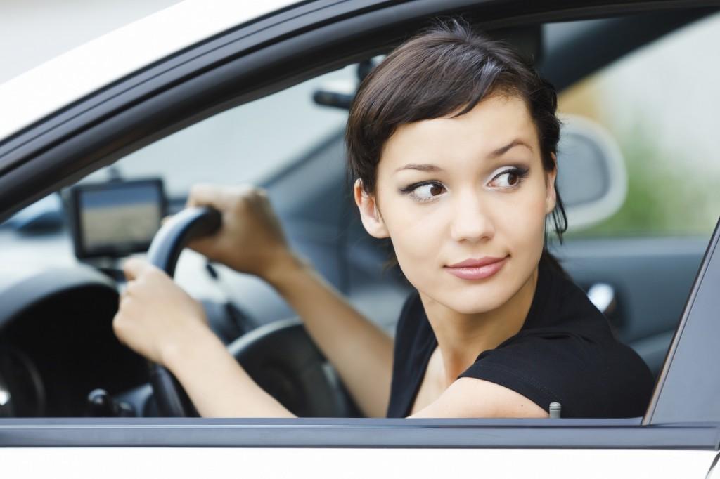 Những nguyên tắc an toàn khi quay đầu ôtô đường hẹp