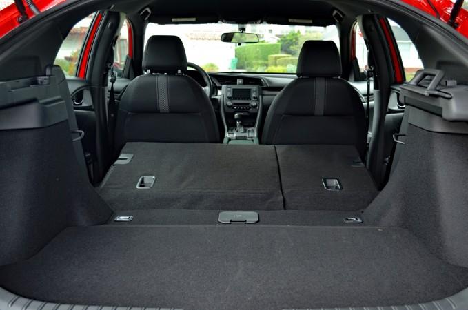 5-diem-khac-giua-honda-civic-sedan-va-hatchback