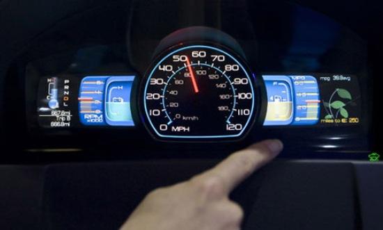 Những lưu ý lái xe ô tô tiết kiệm nhiên liệu cần biết