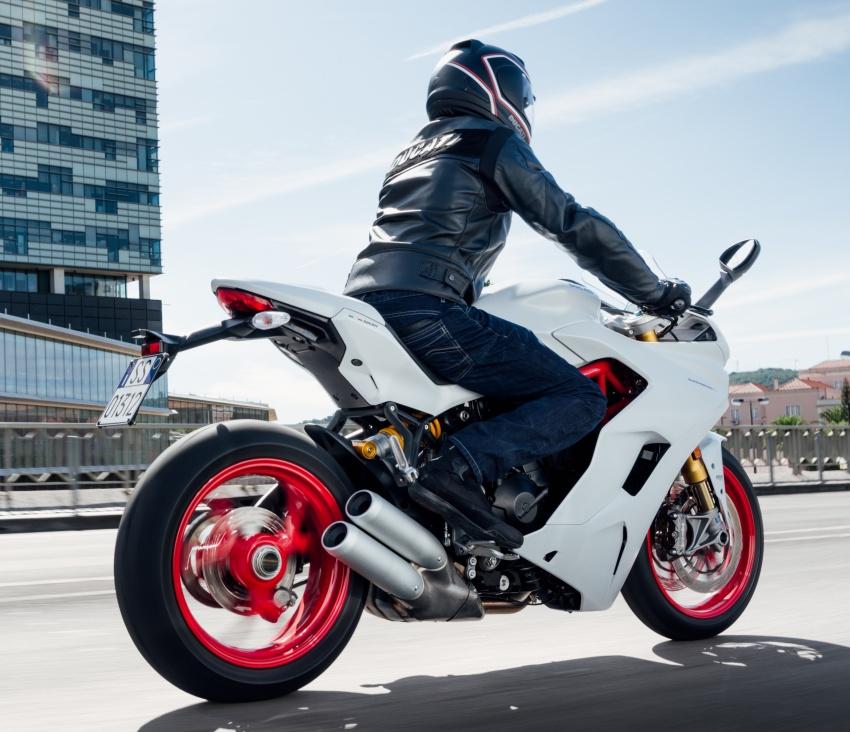 Ducati Supersport 2017 được bình chọn là mẫu xe đẹp nhất triễn lãm EICMA 2016 3