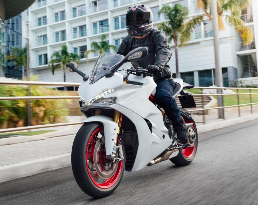 Ducati Supersport 2017 được bình chọn là mẫu xe đẹp nhất triễn lãm EICMA 2016 2