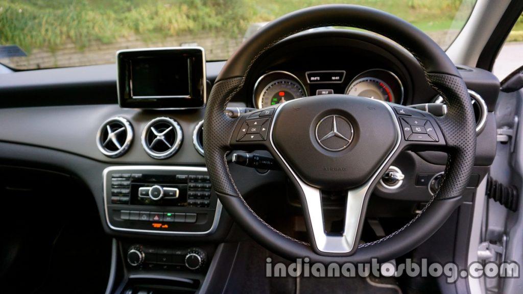 Mercedes-Benz GLA 2017 sẽ ra mắt vào triển lãm DAS 2017 và bán vào tháng 4 tới 2